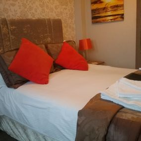 The Chesterfield Bed and Breakfast in Torquay, Devon | Bedroom