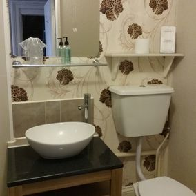 The Chesterfield Bed and Breakfast in Torquay, Devon | Bathroom